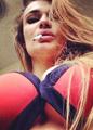 Алена Водонаева призналась, что в 16 лет была «жирным жиром»