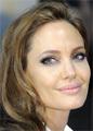 Анджелина Джоли на вечеринке приревновала Брэда Питта к темнокожей сопернице
