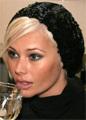 Елена Корикова впервые вышла в свет после аварии