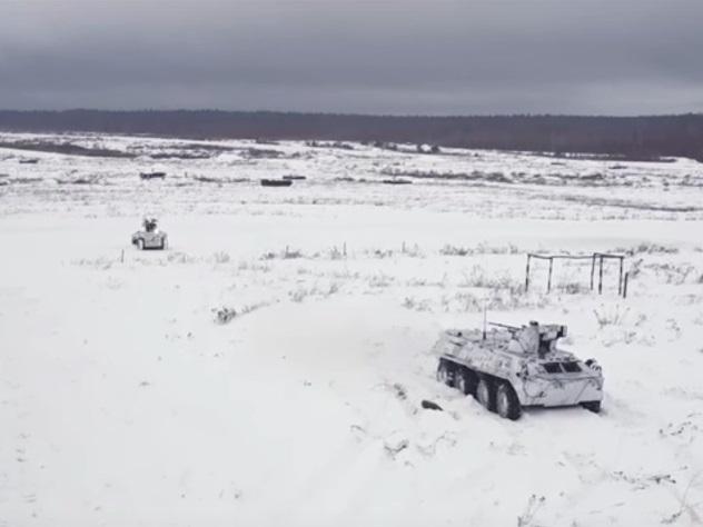 МинобороныРФ опубликовало видео применения военных роботов «Соратник» и«Нерехта»