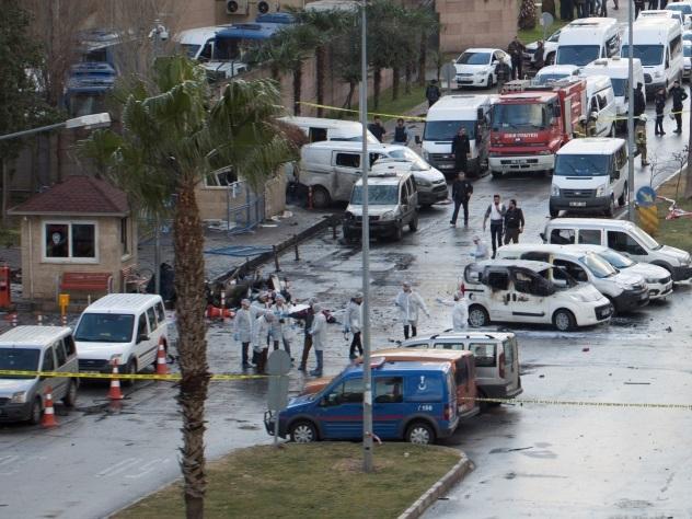 В итоге взрыва вИзмире погибли два человека