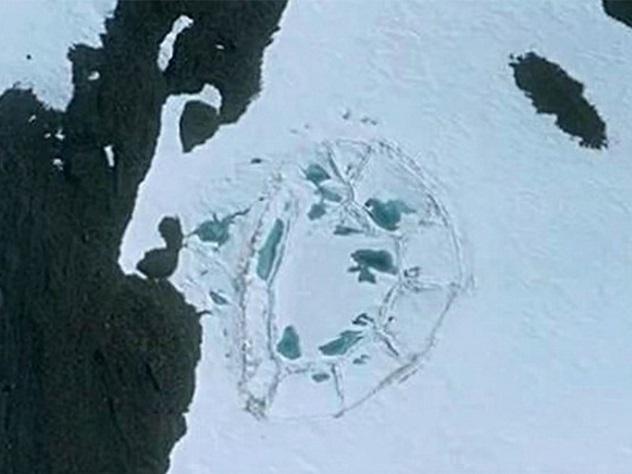 В Антарктиде обнаружили руины древнего замка