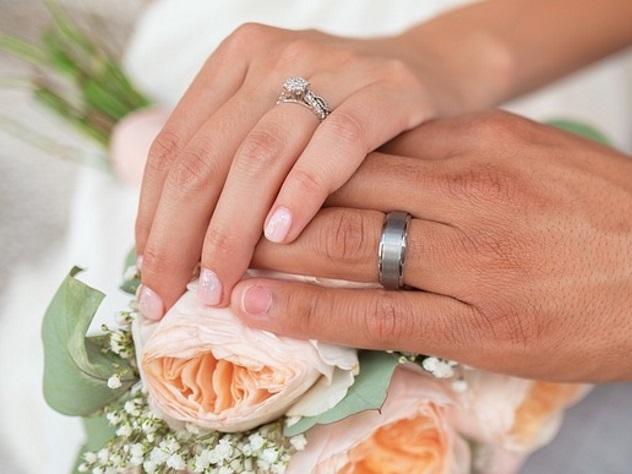 Невеста приехала насвадьбу натракторе