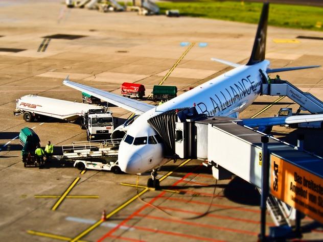 Авиадебоширам запретят перелеты на три года