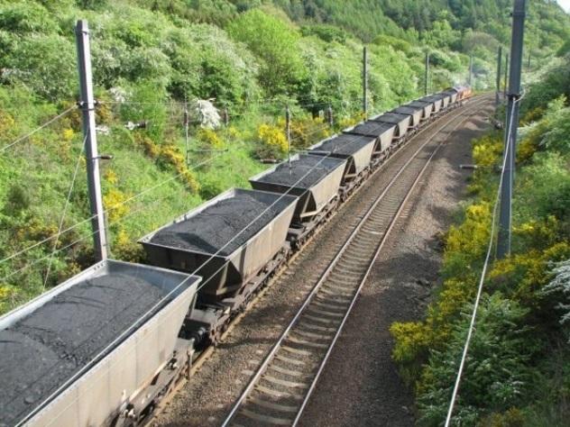 Уголь с Донбасса вместо Украины пошел в Россию