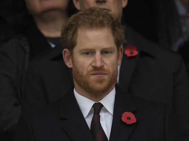 Принц Гарри планирует представить свою возлюбленную ЕлизаветеII