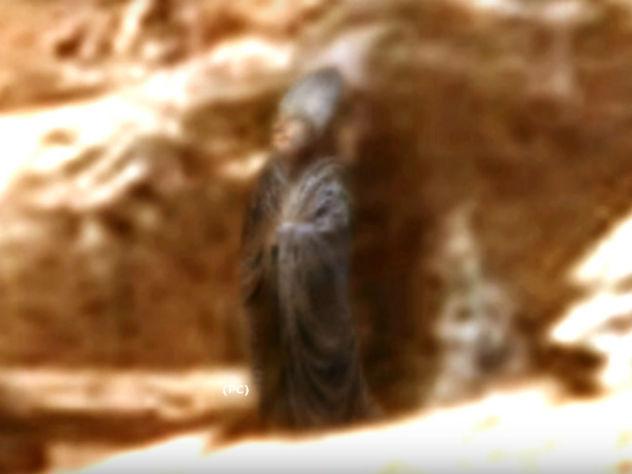 Curiosity прислал с Марса снимки загадочной статуи