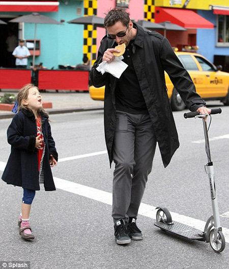 Хью ДЖЕКМАН с дочкой Авой