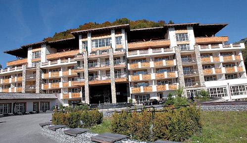 Самый дешёвый номер в «Grand Tirolia» стоит 258 евро в сутки