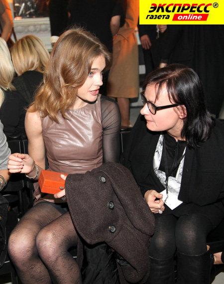 Наталья ВОДЯНОВА с мамой Киры ПЛАСТИНИНОЙ. Фото Ларисы КУДРЯВЦЕВОЙ