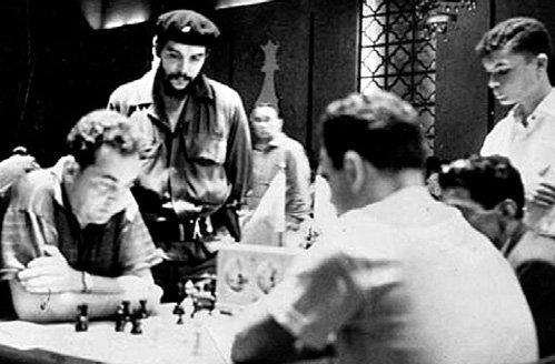 Во время поездки на Кубу тылы Марка Евгеньевича прикрывал Эрнесто Че ГЕВАРА