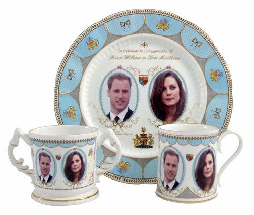 С сегодняшнего дня в честь свадьбы Уильяма и Кейт в производство запустили сувенирный фарфор с их изображением. Фото: Splash/All Over Press
