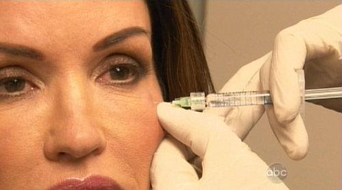 Дженис Дикинсони вколола себе ботокс прямо перед телекамерами, снимаясь в передаче о пластической хирургии.