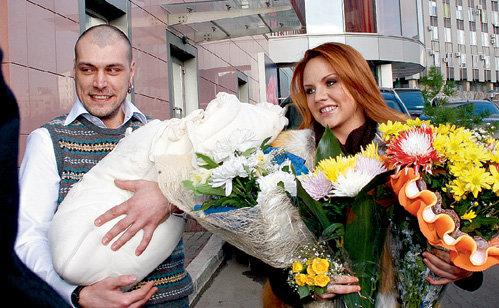 8 марта 2009 года МакSим и её муж звукорежиссёр Алексей ЛУГОВЦОВ стали родителями очаровательной Сашеньки
