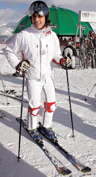 На лыжах пародист чувствует себя так же уверенно, как и на сцене