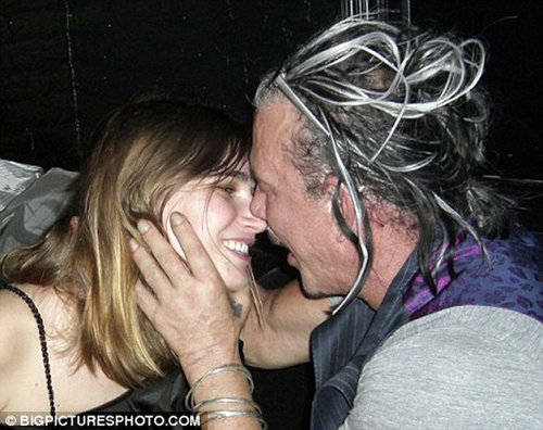 Микки РУРК и Евгения ВОЛОДИНА. Фото: Daily Mail