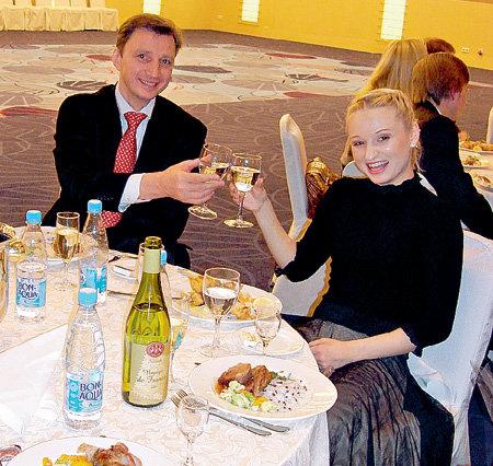 МУХОРТОВА и её тренер ВАСИЛЬЕВ пили за победу, но в Саранске потерпели фиаско