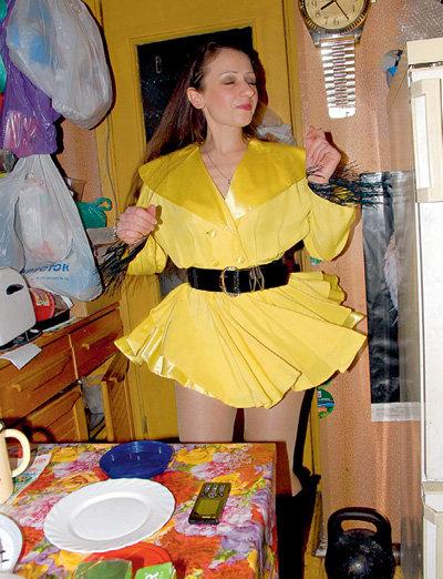 Светлана мечтает стать звездой, примеряя платье РАСПУТИНОЙ