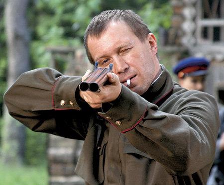Во время съёмок МИРОНОВ научился метко стрелять