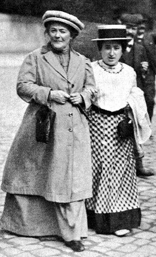 Клара ЦЕТКИН (слева) и Роза ЛЮКСЕМБУРГ были закадычными подругами и мечтали стать родственницами