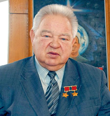 Георгий Михайлович верит, что на заре цивилизации людям помогали пришельцы