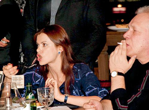 Бывший медиа-магнат Борис ЗОСИМОВ и его жена - супермодель Полина ТАШЕВА с неподдельным интересом наблюдали за церемонией награждения