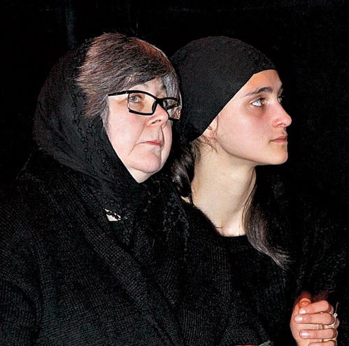Галина, первая жена музыканта, не разрешает дочери Кире навещать бабушку