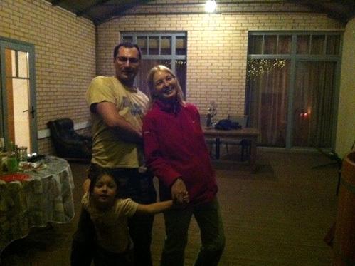 Игорь ВДОВИН с мамой Анастасии ВОЛОЧКОВОЙ и с дочкой Аришей