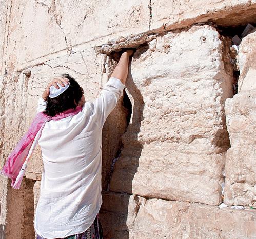 Певец провёл Бедроса и Людмилу по арабским лавочкам, но им ничего не понравилось