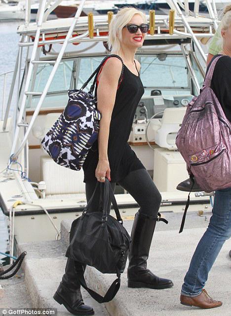 Гвен СТЕФАНИ отправляется в гости на яхту АБРАМОВИЧА.
