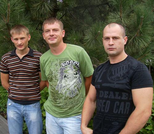 Виталий Алаторцев, Николай Тихонцов, Сергей Нерубальский не побоялись вступить в схватку с обидчиками
