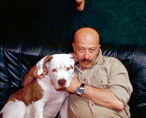 Любимого пса домашние почтительно окликают Доном Александровичем (фото rozenbaum.ru)