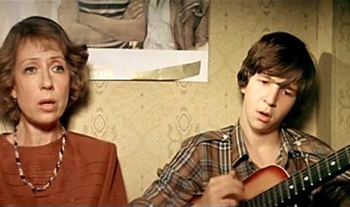 С Инной ЧУРИКОВОЙ в «Курьере» он бесподобно исполнил хит «Трава у дома»