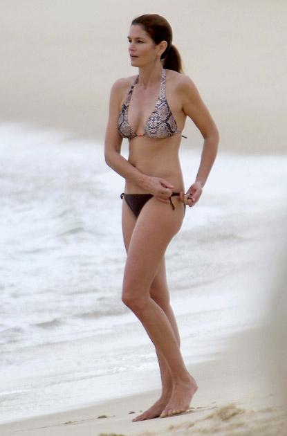 Синди КРОУФОРД на пляже в Мексике. Фото: Splash/All Over Press