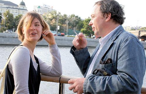 Актриса с супругом во время прогулки на теплоходе по Москва-реке