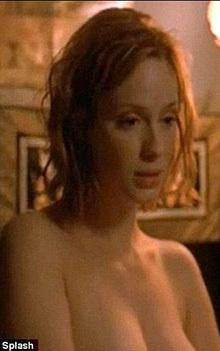 На заре карьеры ХЕНДРИКС снималась обнажённой в сериале