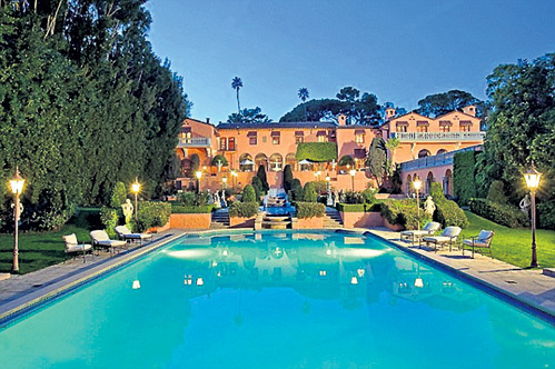 Джон КЕННЕДИ и Жаклин БУВЬЕ провели медовый месяц в особняке с 29 спальнями и 40 ванными
