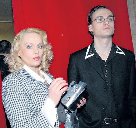 Сейчас Наталья - актриса шоу двойников, изображает Мэрилин МОНРО и Марлен ДИТРИХ, а её сын Вова - певец Театра оперетты
