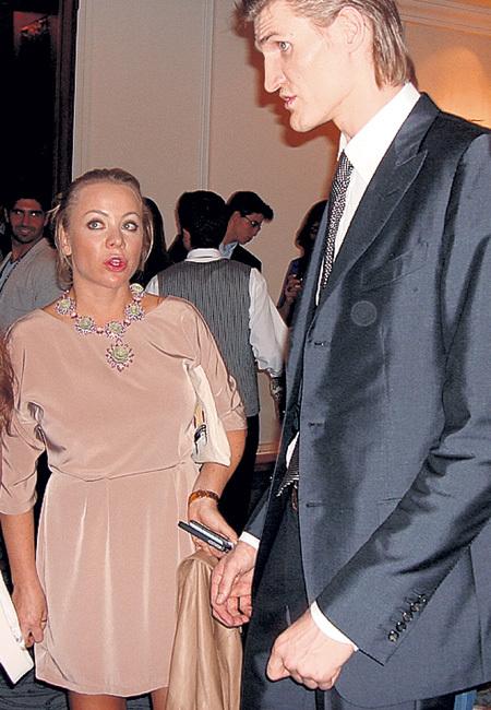 Андрей КИРИЛЕНКО выше жены на полторы головы