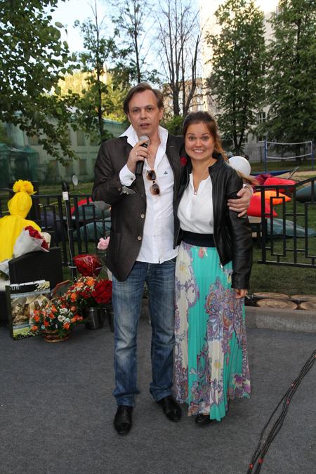 Владимир Левкин с дочерью.