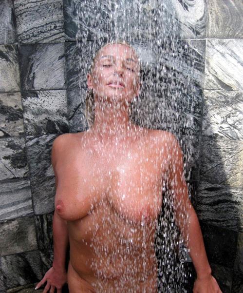 Как дана борисова голая купается