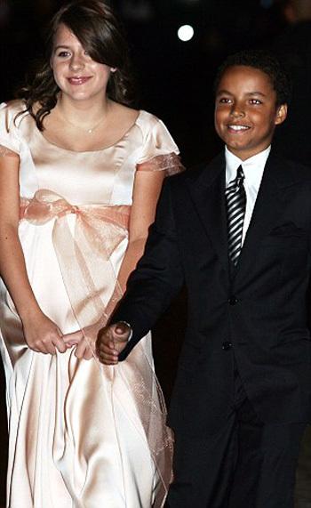 Изабелла и Коннор - фото Daily Mail