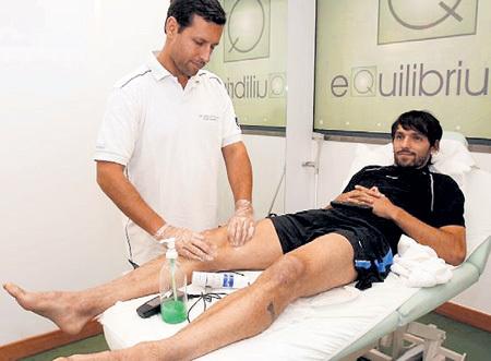 Полузащитник «Зенита» ДАННИ не может залечить травму колена уже восемь месяцев. И всё это время ему «капают» огромные деньги из ФСС