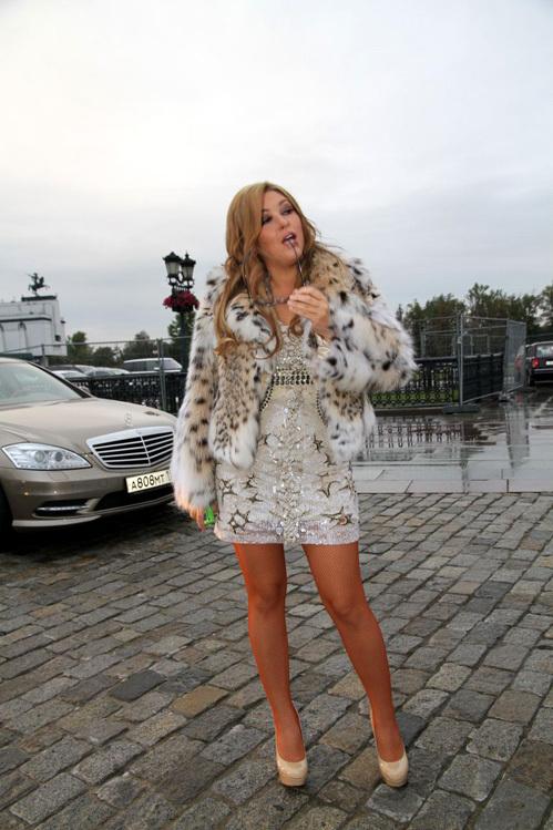 Сейчас Ирина ДУБЦОВА - красивая, уверенная в себе блондинка