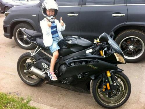 Сын Евгения Плющенко обожает мотоциклы