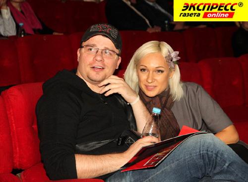 Гарик ХАРЛАМОВ с экс-супругой Юлей (фото Ларисы КУДРЯВЦЕВОЙ)