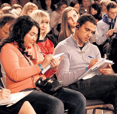 ЛОЛИТА и её муж Дима ИВАНОВ записывали каждое слово заморской проповедницы