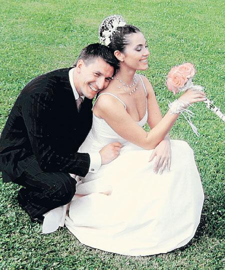 После свадьбы с Яниной Саша увез ее на медовый месяц в Париж