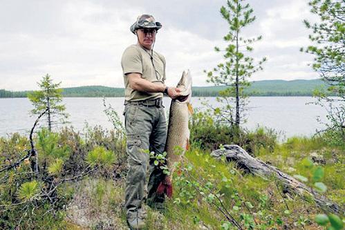 По мнению Владимира ПУТИНА, тувинские заповедники - лучшие места для рыбалки