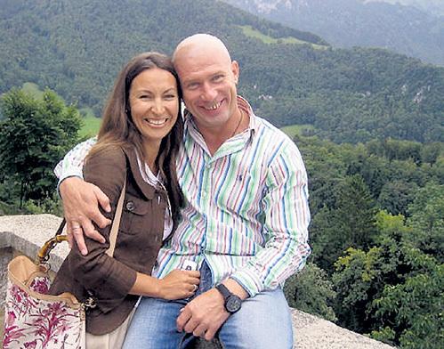 Александр ТОКАРЕВ после расставания с ИРИНОЙ долго искал счастье (на фото с третьей женой)